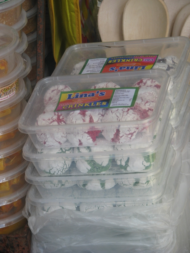 These actually piqued my curiosity. Aside from chocolate, there are strawberry-, pandan-, and ube-flavored crinkles.