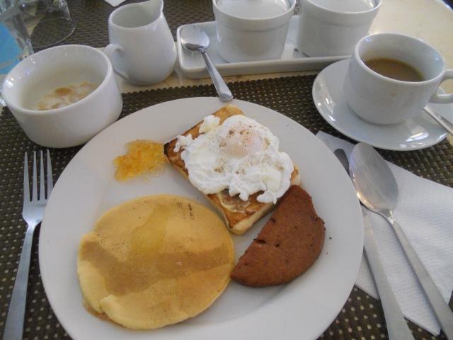 Lotus Garden Hotel Manila - Breakfast